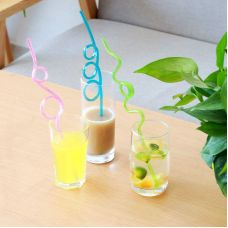 Летняя питьевая соломинка- петля