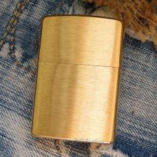 Зажигалка Zippo Classic Brushed Brass