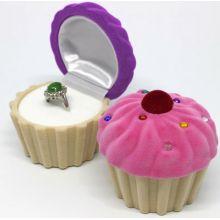 Коробочка для кольца в форме кекса