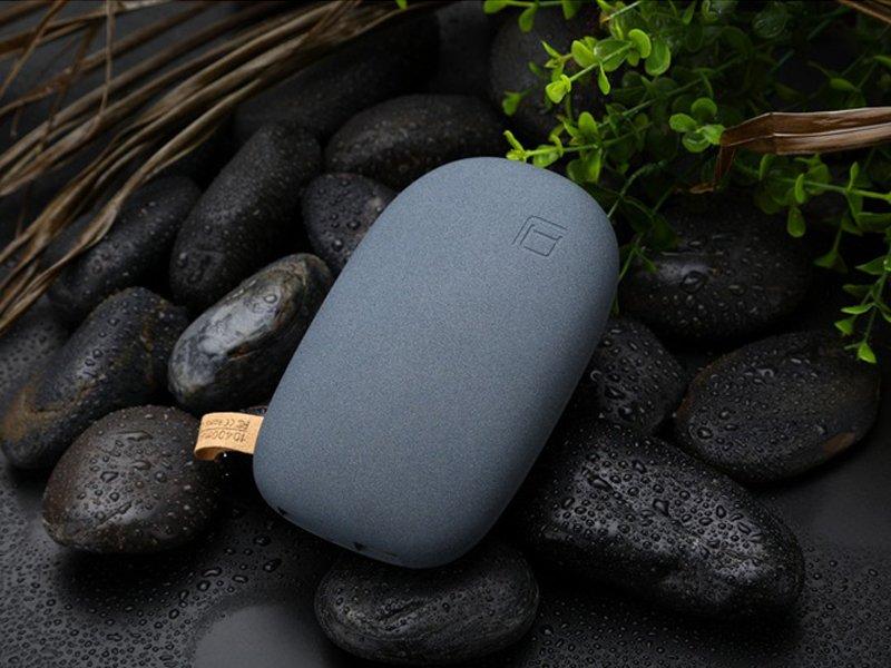 """Внешний ультратонкий аккумулятор """"Камень"""" 8000 mAh"""