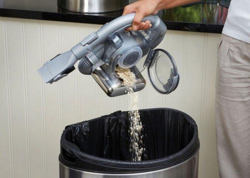 Ручной аккумуляторный пылесос для сухой уборки Black&Decker 25 Вт