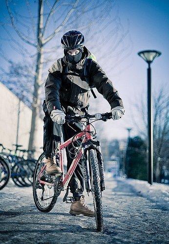 Маска для езды на велосипеде