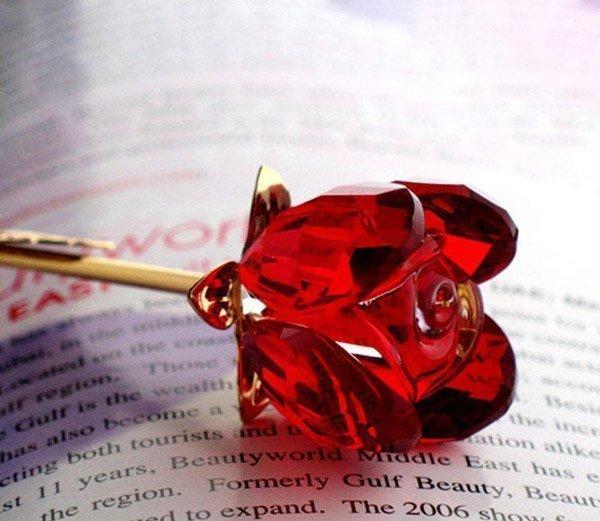 Красная хрустальная роза покрытие золото 24K в подарочной коробке