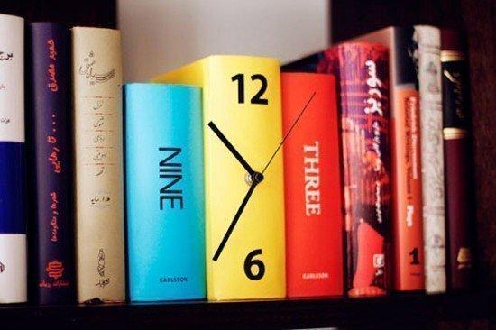 """Часы """"Три тома"""""""